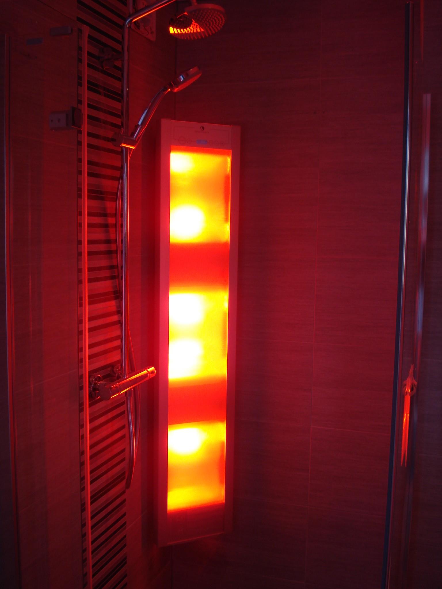 Project renovatie badkamer  Van den Hoeven Bouw  Houten # Sun Shower Eli_082440
